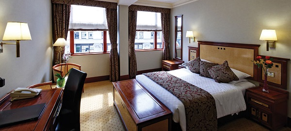 jurys-inn-london-holborn-bedroom3